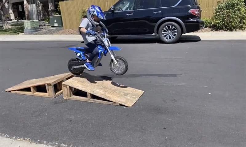 razor mx350 jumping